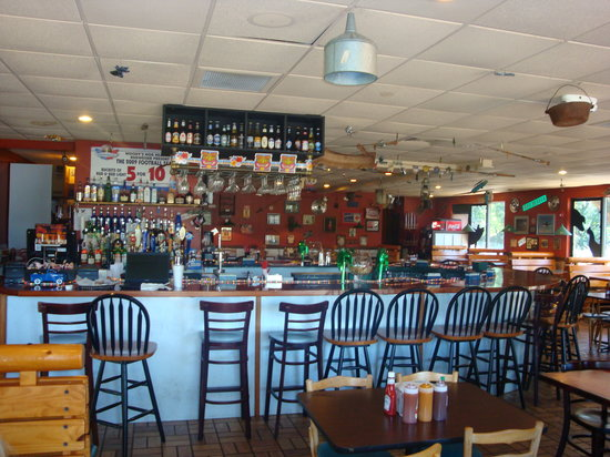 Niceville, FL: full bar