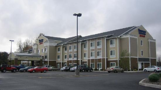 Fairfield Inn & Suites Verona : Hotel Exterior