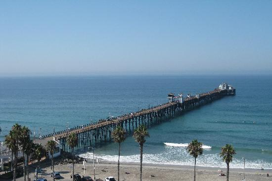 Wyndham Oceanside Pier Resort: view of the pier from the top floor of resort