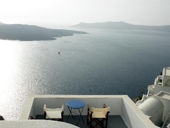 Neoklassiko Koukouli : Lower level patio and view.