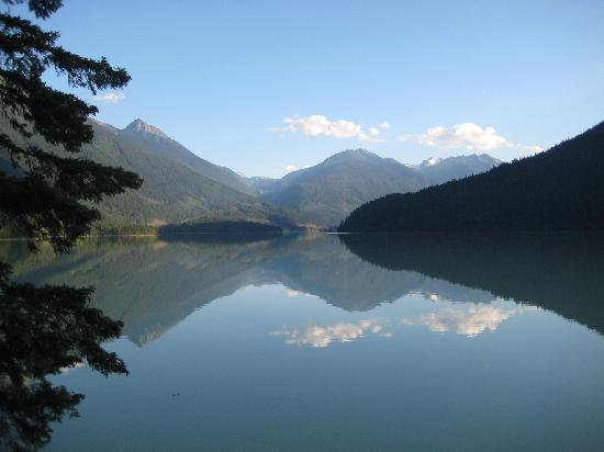 The Cottage B&B on Lillooet Lake : View from the B&B