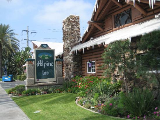 Alpine Inn: The Entrance