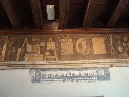 Castelfranco Veneto, Ιταλία: ジョルジョーネのフレスコ画