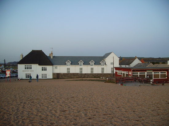 West Bay, UK: View of hotel from beach