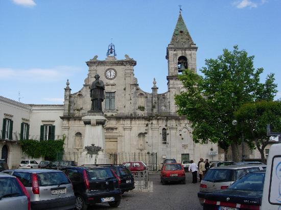 Venosa, Italië: Chiesa di San Filippo Neri, Piazza Castello