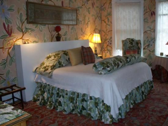 Pomegranate Inn: One of the rooms at the Inn