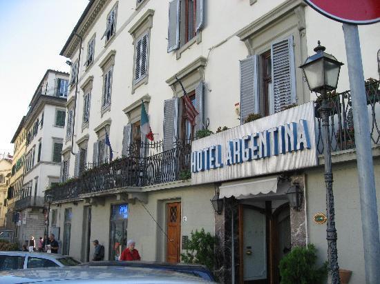 Hotel Argentina: 玄関
