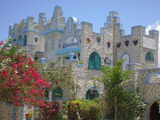 Blue Cave Castle: A castle for me and my prince charming