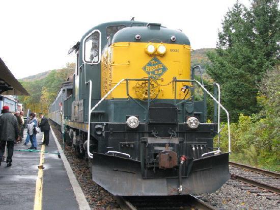 Berkshire Scenic Railway Museum: diesel engine