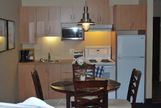 Rimouski, Καναδάς: La ''salle à manger-cuisinette''