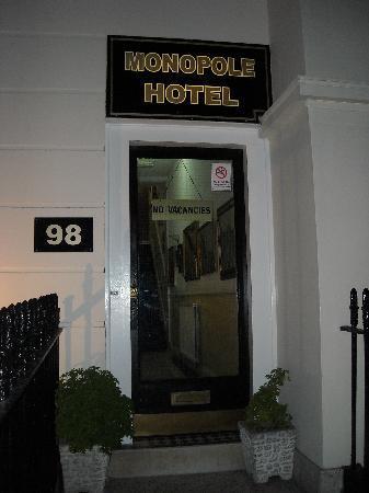 Monopole Hotel: HOTEL