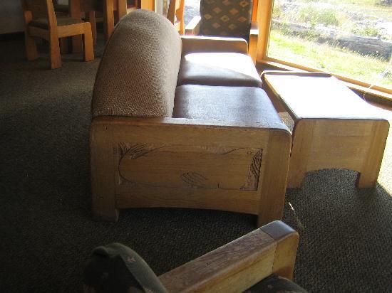 Quileute Oceanside Resort : Sitting area furniture