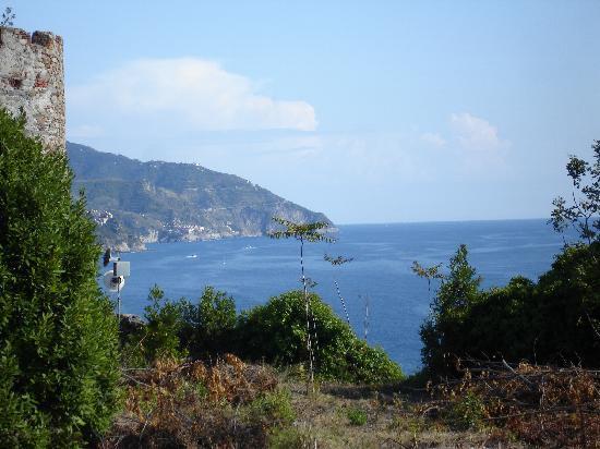 La Colonnina Hotel: View of Monterosso al Mare from Hill