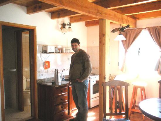 Latitud Patagonia Apart Hotel: La cabaña por dentro
