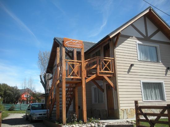 Latitud Patagonia Apart Hotel: La cabaña por fuera