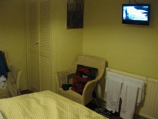 La Fosse Guest House: A view of our room
