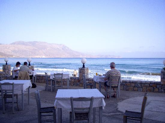 Galini Beach Hotel: Breakfast on the beach terrace