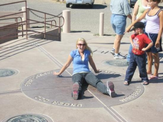 Four Corners, WY: 4 corners is HOT!!!