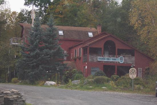 Shaker Mill Inn : Exterior of Shaker Mill B&B