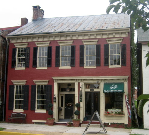 Shrewsbury, PA: An inviting old home houses the gallery.