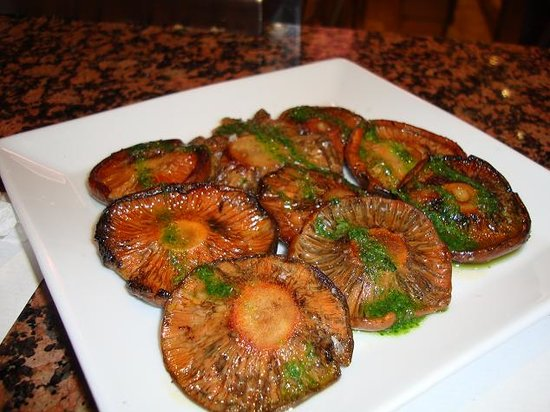 Cal Pep: Roasted Portobello Mushrooms - dry and VERY salty, not nice