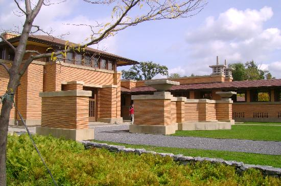 Frank Lloyd Wright's Darwin D. Martin House Complex: The reconstructed carriage house