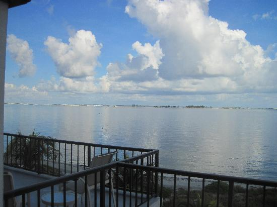 Lighthouse Resort & Club: Morning clouds and wildlife