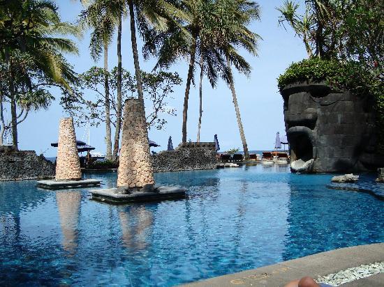Sheraton Senggigi Beach Resort: Pool Area