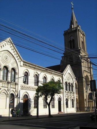 Hostal Costa Manantial: Iglesia de los Sagrados Corazones