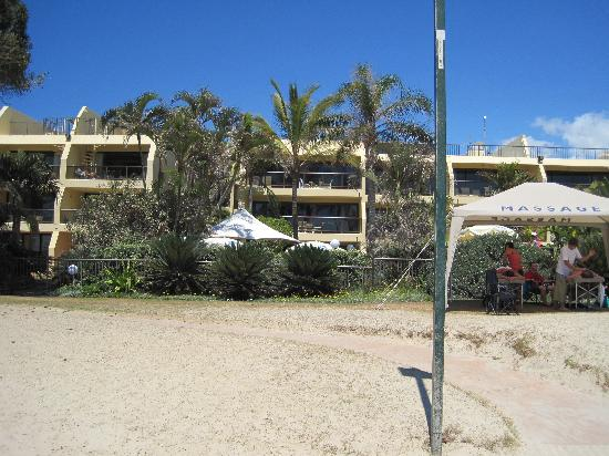 Seahaven Noosa: The hotel from the beach - perfect!