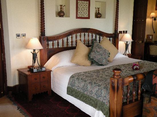 Al Maha, A Luxury Collection Desert Resort & Spa : Master Bedroom