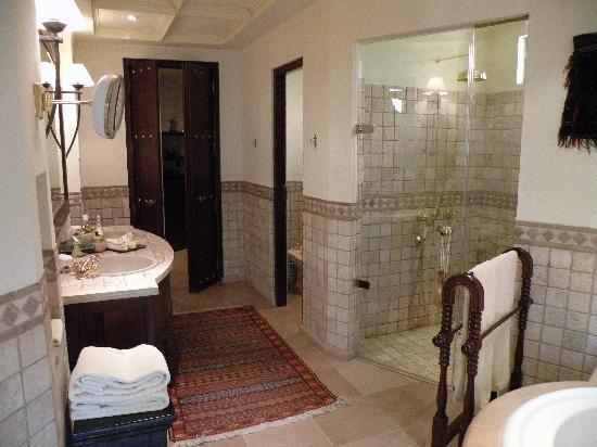 Al Maha, A Luxury Collection Desert Resort & Spa : Bathroom 2