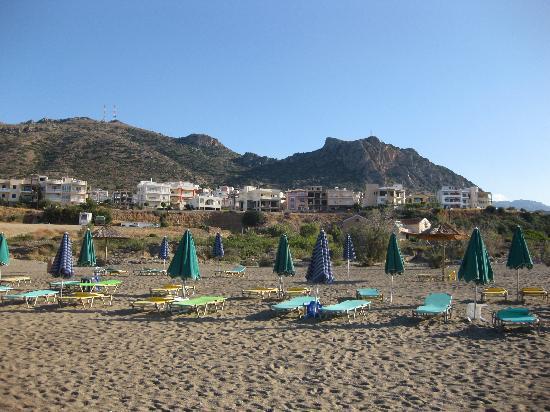 Caravella Luxury Apartments: Paleochera west beach
