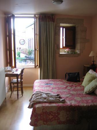 Flavigny-sur-Ozerain, ฝรั่งเศส: Rose Room