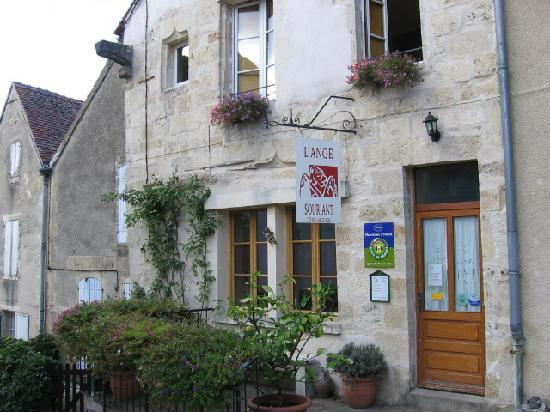 L'Ange Souriant: Make plans to come for a visit
