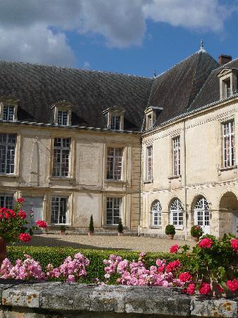 Chateau de Conde: Château de Condé - détail de la façade sud