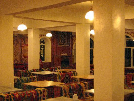 Kahta, Tyrkia: Interno ristorante