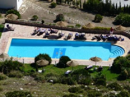 Hotel La Fuente del Sol: Ariel view of pool area