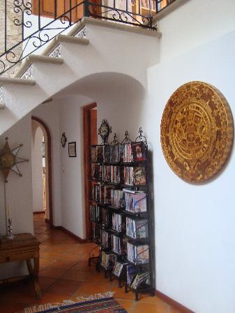 Casa Estrella de la Valenciana: Aztec Calendar decor :)