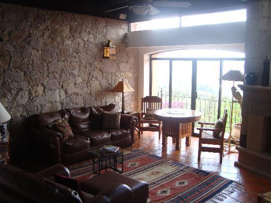 Casa Estrella de la Valenciana : Living Room with view & chimney