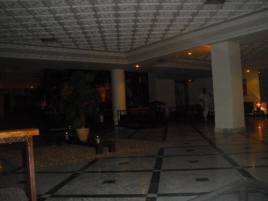 Majesty Golf Hotel: bar