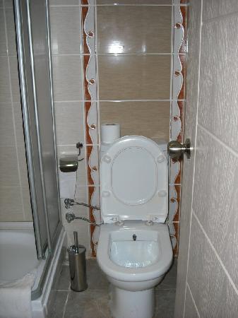 Marinem Istanbul Hotel: Mini baño 1, 00 x1,50 m