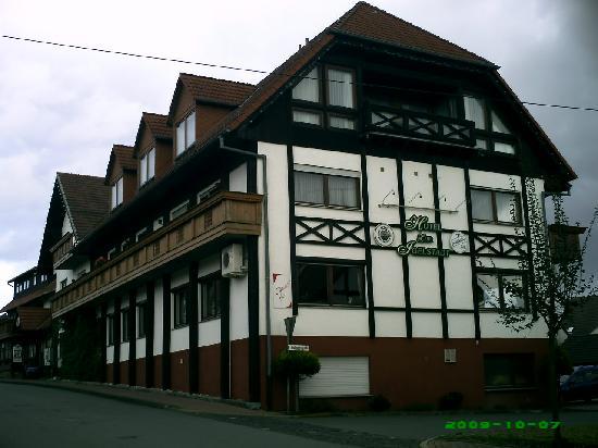 Fürstenberg, Duitsland: Seitenansicht Hotel zur Igelstadt