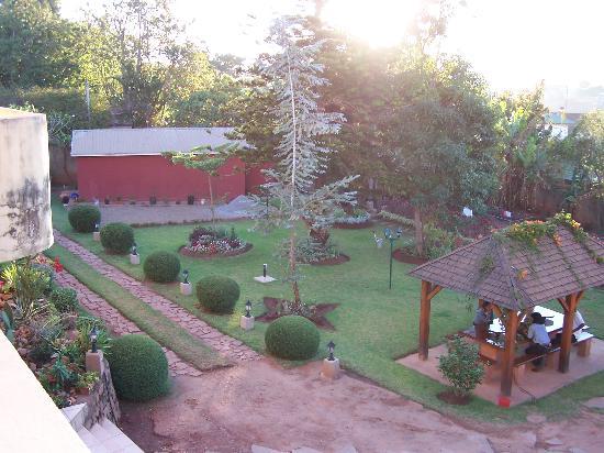 Vanga Guest House: vue depuis notre suite