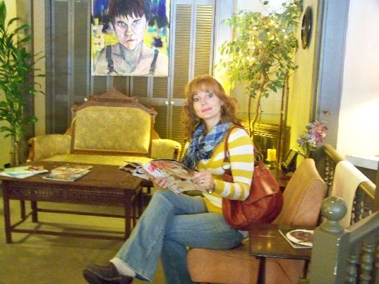 """The Green Room Cafe And Coffee House: Sitting in the """"Livingroom"""""""