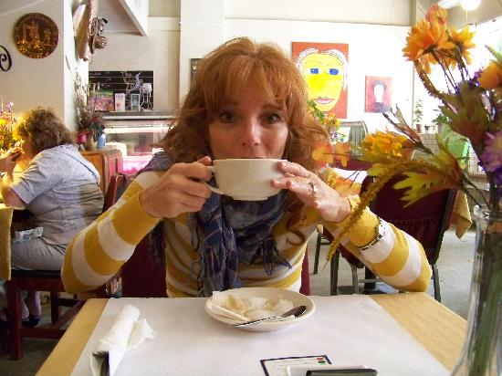 The Green Room Cafe And Coffee House: Great coffee