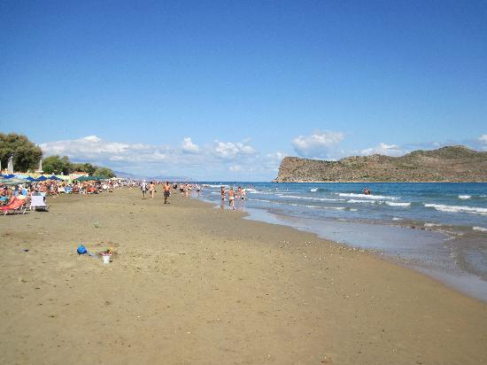 Folia Apartments: nearest beach and Theodoru island