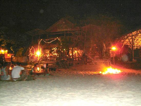 Pulau Perhentian Kecil, Malaysia: fire on the beach