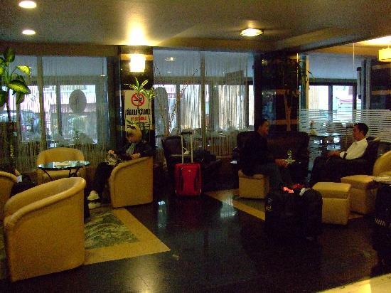 Riva Hotel: lobby area
