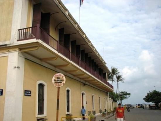 Pondicherry picture of pondicherry union territory of for Cherry street fish market